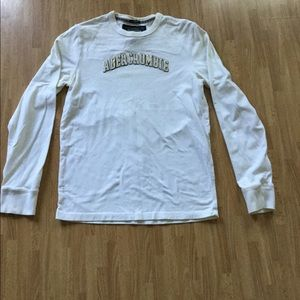 A&F white cotton muscle long sleeve tee shirt.